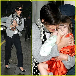 Katie & Suri Brave the NYC Rain