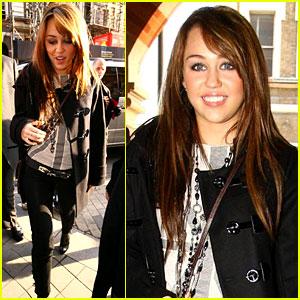 Miley Cyrus Parades Into Paris
