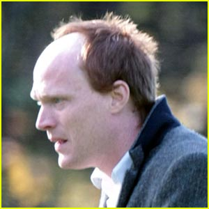Paul Bettany as Charles Darwin -- FIRST PICTURES