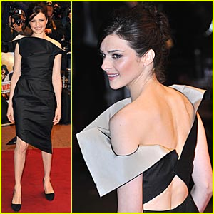 Rachel Weisz Flips Out in Roland Mouret
