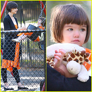 Suri Cruise is Halloween Ready
