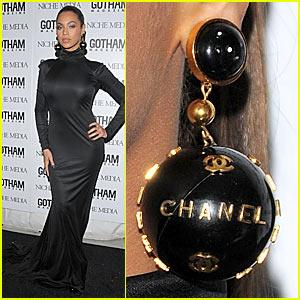 Beyonce Dons Chanel Globe Earrings