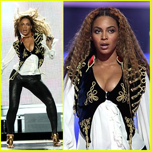 Beyonce Heats Up World Music Awards