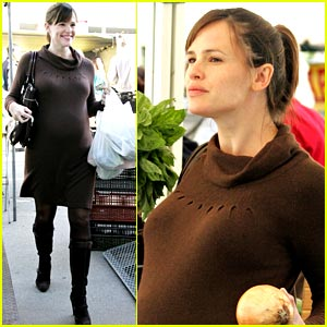Jennifer Garner Goes To The Market