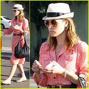 Jessica Biel Mixes It Up On Melrose