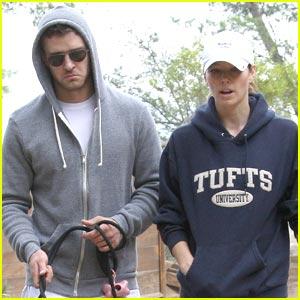 Justin Timberlake & Jessica Biel: Dog Walkers
