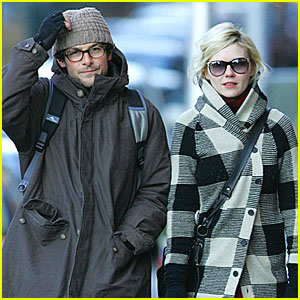 Kirsten Dunst Has a New Mystery Man