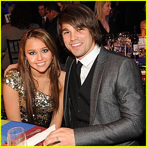 Miley Cyrus Takes Justin Gaston to the 2008 BMI Country Awards