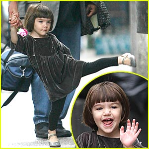 Suri Cruise: Karate Kick!