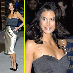 Teri Hatcher Gets Late with Letterman