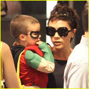 Victoria Beckham: Holy Halloween, Batman!