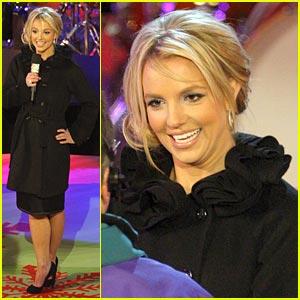 Britney Spears is Rockerfeller Plaza Pretty