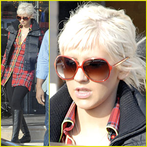 Christina Aguilera Gets Barney's Bodacious