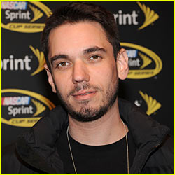 DJ AM Files Lawsuit Over Plane Crash