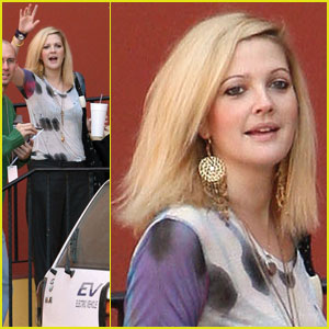 Drew Barrymore Goes Bleach Blonde