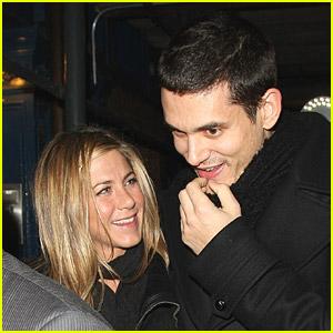Jennifer Aniston & John Mayer: Livin' La Esquina
