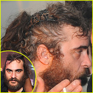 Joaquin Phoenix is a Hairclip Hunk