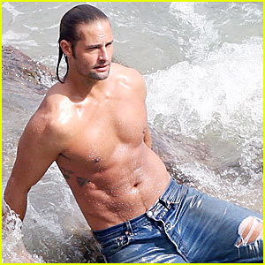 Josh Holloway is Shirtless