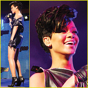 Rihanna Jets into Jingle Ball Madness