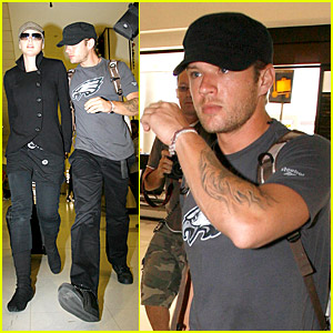 Ryan Phillippe and Abbie Cornish Sail From Sydney