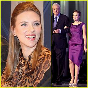 Scarlett Johansson Perks Up Peace Prize Ceremony