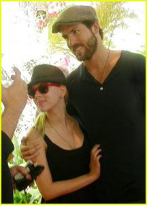 Scarlett Johansson: 'Happy' With Secet Wedding