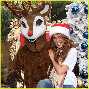 Shenae Grimes: Reindeer Games!