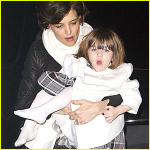 Suri Cruise is a Singing Sensation