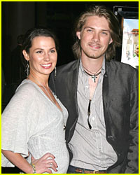 Taylor Hanson Has Fourth Kid!