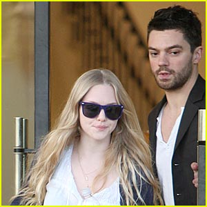 Amanda Seyfried & Dominic Cooper: Dating Dancing Queens!