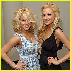 Ashlee Simpson Defends Sister's Weight Gain