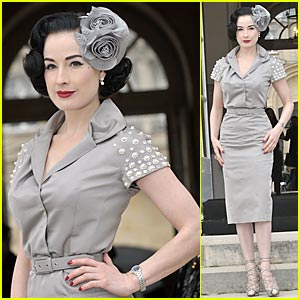 Dita Von Teese To Mount Crazy Horse