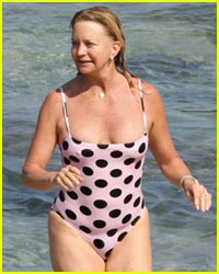 Goldie Hawn is Swimsuit Sexy