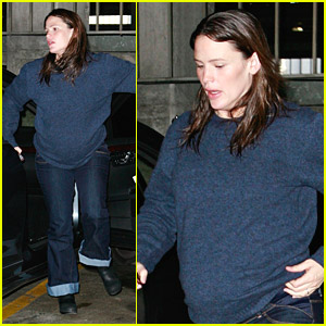 Jennifer Garner: Baby Bump Watch!