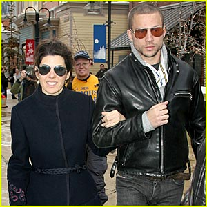Marisa Tomei & Logan Marshall Green Couple Up