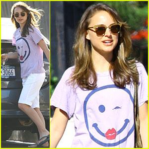 Natalie Portman Has a Happy Face