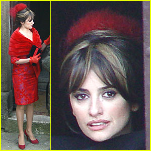 Penelope Cruz Dresses to the Nines
