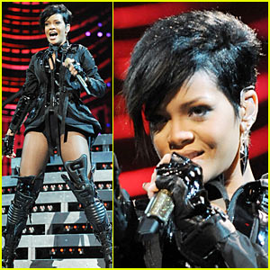 Rihanna Rocks Super Bowl Bash
