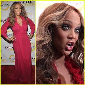 Tyra Banks Makes Funny Faces