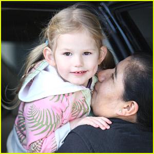 Violet Affleck Is Nice To Her Nanny