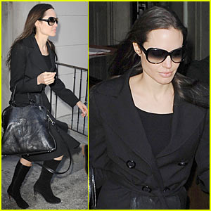 Angelina Jolie To Transform Into Mangelina