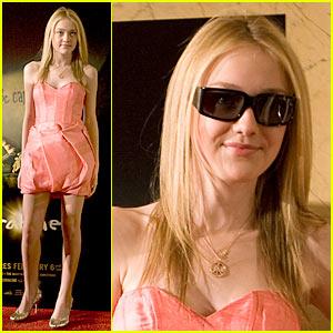 Dakota Fanning: 3-D Glasses Girl