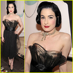 dita von teese cloak and dagger butterfly Teen girl gathers 25000 anti Photoshop signatures   Holy Kaw!
