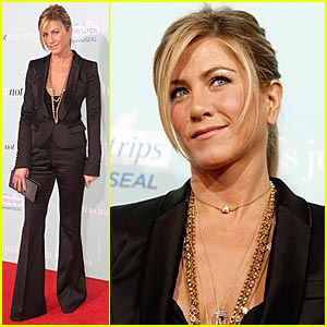 Jennifer Aniston Premieres 'He's Just Not That Into You'
