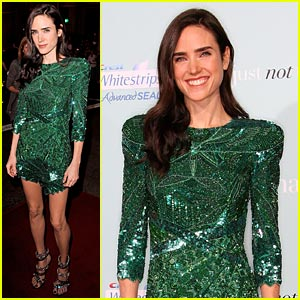 Jennifer Connelly: It's Easy Being Green!
