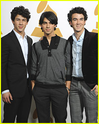 The Jonas Brothers: SNL Performance On Valentine's Day