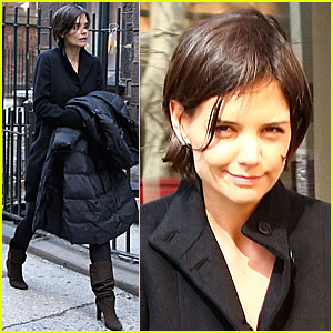 Katie Holmes: It's a Boot-iful Day!