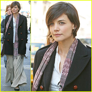 Katie Holmes Has An Extra Man