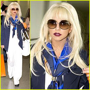 Lady GaGa Goes Brit-Brit