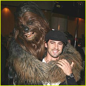 Milo Ventimiglia Meets Chewbacca